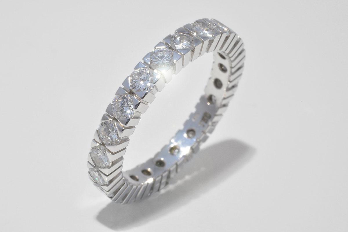 Alliance Ring in 750 Weissgold mit 22 Vollschliff Brillanten 1.98ct. TW IF