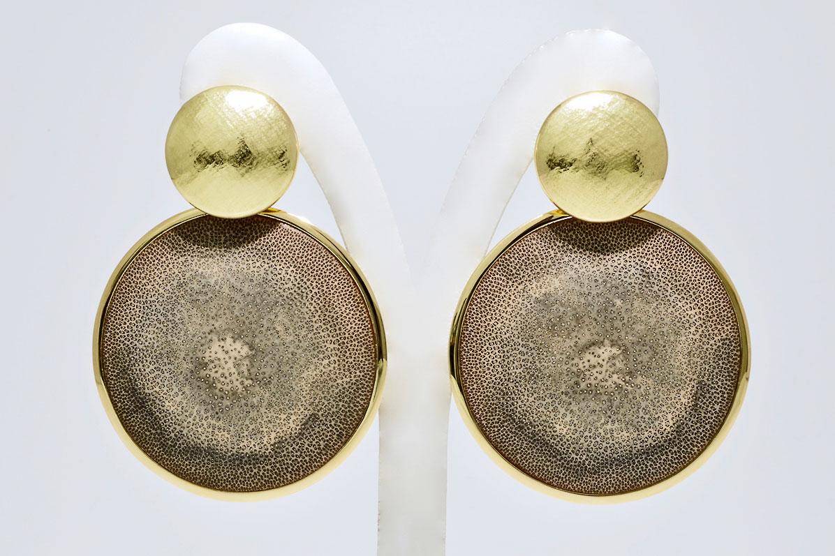 Ohrhänger mit Bambuslinsen gefasst in 750 Gelbgold