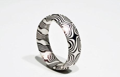 Mokume Gane Ring tordiert in Palladium und Silber
